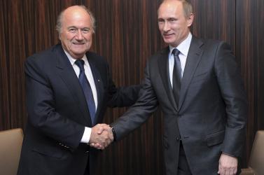 Vb-2018 - Eltiltották a focitól, de Putyin meghívását nem tudta visszautasítani Blatter