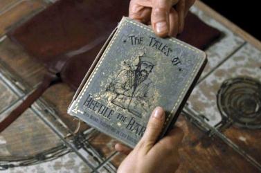 Elárverezik J.K. Rowling egy ritka varázslós könyvét