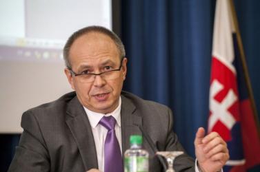Bukovszky: Sokat meríthetne Szlovákia a cseh kisebbségi törvényből
