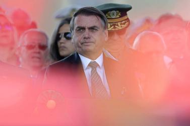 Paulo Coelho kért bocsánatot Macrontól és a franciáktól a tapló brazil elnök miatt