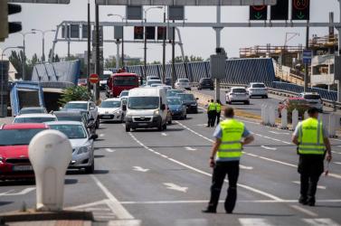 Pozsony mellett hatástalanították a főváros központjában talált bombát