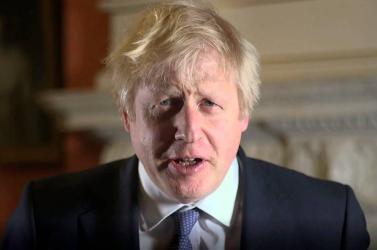 Százezrek köszöntötték az újévet a brit nagyvárosokban, Johnson