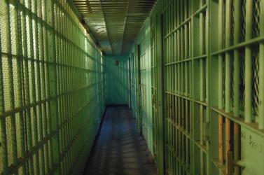 Zavargás tört ki egy börtönben, egy embert lelőttek