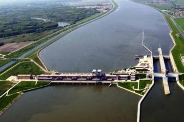 Megoldódhat a közlekedési probléma a Duna felvízcsatornája által elzárt községek számára