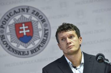 Önként távozik a NAKA igazgatója, akit Černák és a titkosszolgálat korábbi helyettes vezetője is bemártott