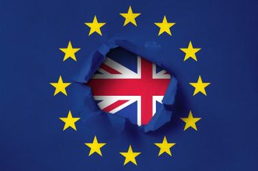 Hárommilliónál több külföldi EU-állampolgár kért tartós brit letelepedési engedélyt