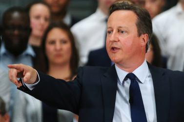 Cameron beismerte, hogy elbénázta az offshore-botrányt