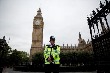 Szexuális bűnöző lehet több száz brit rendőr!