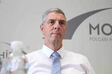Bugár Béla azt akarja, hogy Sólymos László a Híd jelöltlistáján maradjon