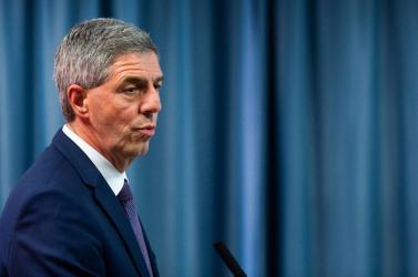 Az ellenzékből nincs, ki kezdeményezze Bugár leváltását