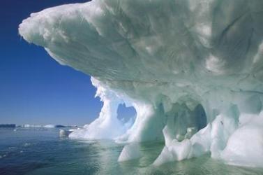 Óriási jégtorlasz akadályozza egy orosz hajókaraván továbbhaladását