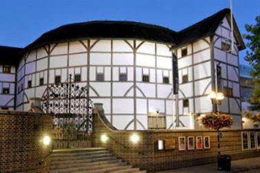 A turnézó Globe Színház a calais-i