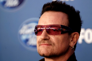 Bono talán sohasem gitározhat többé