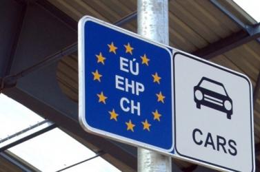 Engedélyezték a schengeni övezeten belüli határellenőrzések fenntartását
