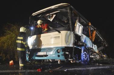 Már tudni, mi okozta a nyitragerencséri buszbalesetet, melyben 12-en haltak meg