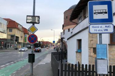 Hiába a petíció, már nem állnak meg a buszok a kultúrház mellett Dunaszerdahelyen