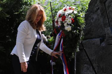 A kommunizmus áldozatainak emléke előtt tisztelgett az államfő