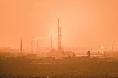 Csaknem két évvel csökkenti a várható élettartamot a légszennyezettség