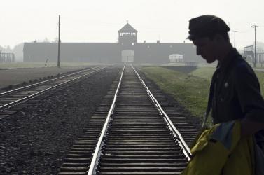 Európa Tanács: soha többé nem történhet a roma holokauszthoz hasonló tragédia