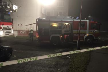 Tűz ütött ki egy panelházban Bardejovban, több mint 100 lakót menekítettek ki