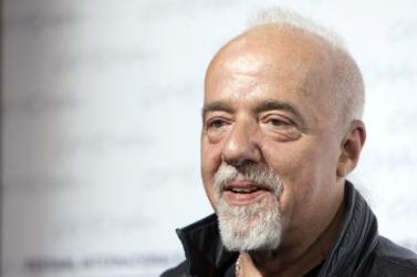 Paulo Coelho nem hisz a nyomtatott szó jövőjében