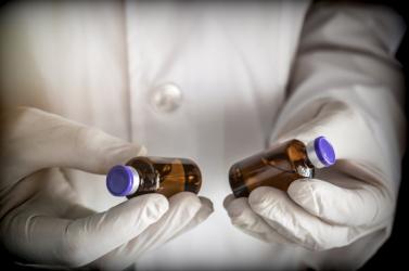 Két új gyógyszert javasol az Egészségügyi Világszervezet akoronavíruskezelésére