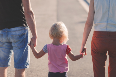 A kormány foglalkozik a családi pótlék emelésének kérdésével
