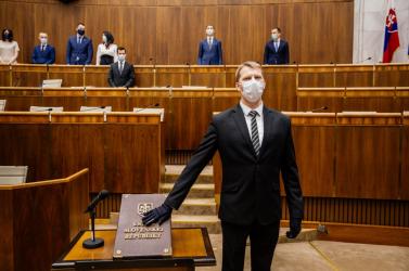 Ha a lemondott Kyselica visszatér a parlamentbe, akkor Cseh Péter kipottyan
