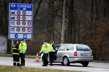 Elárulta a cseh külügyminiszter, mikor nyithat meg a cseh-szlovák határ