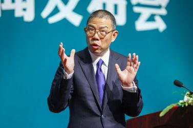 Egy vakcinagyártó és vizet palackozó kínai üzletember lett Ázsia leggazdagabb embere