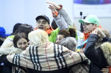 Lelkes tömeg fogadta a téli olimpiáról hazatért magyar sportolókat – FOTÓK
