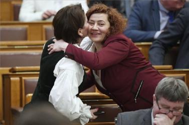 Esztergomba vonul a teljes magyar ellenzék