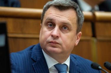 Matovičék nem kértek a segítségéből, de a cseh belügyminiszter magával viszi Dankót Moszkvába
