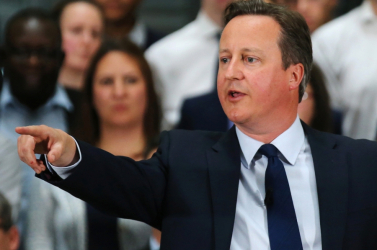 Offshore-botrány: David Cameron is részvényes volt a panamázó apja cégében