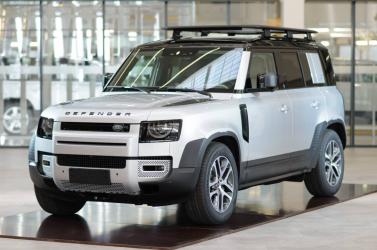 Tavasszal gurulhatnak ki a nyitrai gyárból az új Land Rover Defenderek!