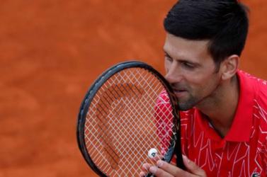 Wimbledon - Djokovič 20. diadalával utolérte Federert és Nadalt