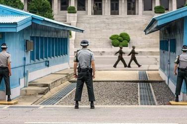 Csapatmozgásokat észleltek a két Koreát elválasztó demilitarizált övezetben