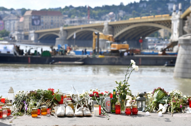 Dunai hajóbaleset - A folyó felett légtérkorlátozás van érvényben