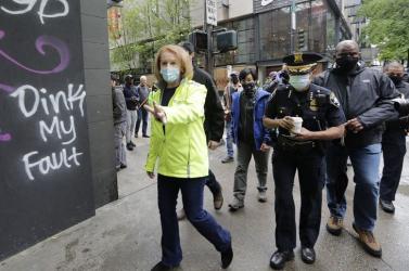 Seattle belvárosát fegyveresek kerítették hatalmukba,