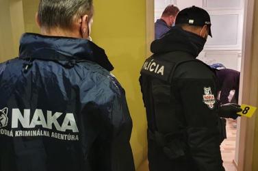 Drogdílereknél razziázott a NAKA, öt személyt kapcsoltak le