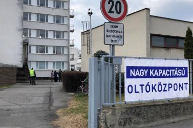 Kiderült, mennyi személyt oltottak be Dunaszerdahelyen a hétvégén
