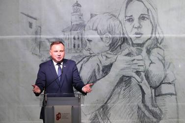 A kampány finisében a lengyel államfő előrángatta az azonos neműek kérdését