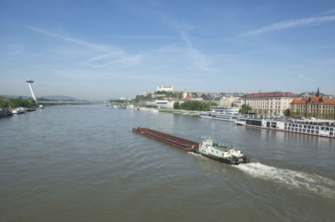 Egy támadás következtében belezuhant a Dunába a fiatal férfi
