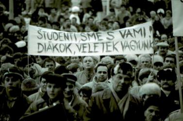 Dokumentumfilmet készített a Független Magyar Kezdeményezés megalakulásáról a Fórum Intézet