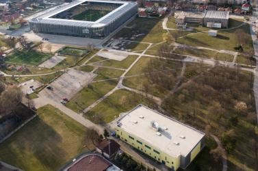 Egy baki miatt nem is tárgyaltak a 770 ezres telekről és a dunaszerdahelyi sportcsarnok áthelyezéséről