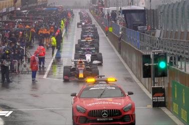 Belga Nagydíj: Másodszor is félbeszakították a futamot, Verstappen verseny nélkül nyert