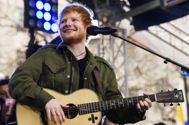 Ed Sheeran lett az évtized előadója Nagy-Britanniában