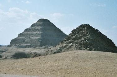 Több mint 100 érintetlen szarkofágot találtak a szakkarai nekropoliszban