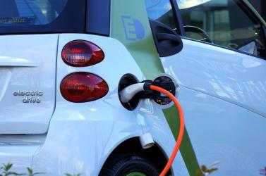 Öt perc alatt feltölthető akkumulátort fejlesztettek elektromos autókhoz