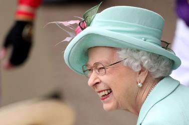 Hatalmas bulival, parádéval, utcabállal készülnek II. Erzsébettrónra lépésének 70. évfordulójára